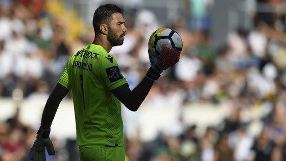 Rui Patrício e a defesa do Sporting conseguiram um registo que entra no top-3 das defesas menos batidas de sempre