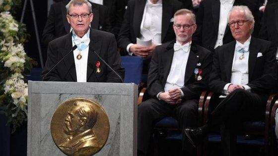 A possibilidade foi admitida esta quarta-feira pelo presidente da Fundação Nobel, Carl-Henrik Heldin (na fotografia, a discursar)