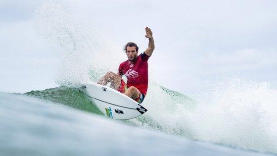 Frederico Morais é o único português a integrar o principal circuito mundial de surf. Entrou diretamente para a quarta ronda, ao contrário dos quatro surfistas portugueses que se apuraram esta quarta-feira