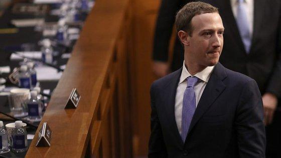 Mark Zuckerberg foi obrigado a ir ao Senado norte-americano explicar-se depois das notícias sobre o acesso da Cambridge Analytica aos dados privados dos utilizadores da rede social