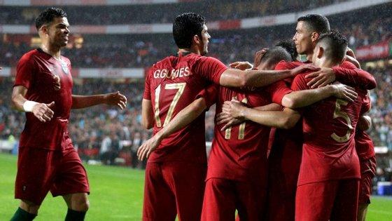 Jogadores em festa: Seleção Nacional teve um teste muito positivo antes do Mundial na receção à Argélia