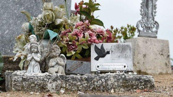 """O caso ficou conhecido como """"O pequeno mártir da A10"""", pois nunca se chegou a saber a identidade da criança que foi deixada na A10, em França."""