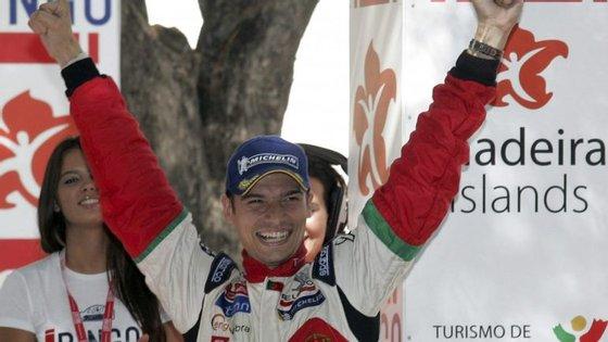 Bruno Magalhães, vencedor do Rali da Acrópole, na Grécia, beneficiou da desistência do anterior líder para chegar ao primeiro lugar.