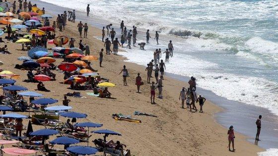 O Algarve poderá perder 110 mil turistas ingleses, diz opresidente da Associação dos Hotéis e Empreendimentos Turísticos do Algarve