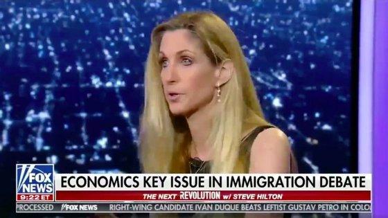 Ann Coulter na FOX News a comentar a política de imigração de Donald Trump