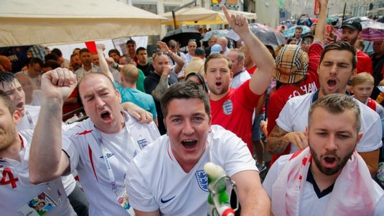 Adeptos ingleses têm feito a festa um pouco por todo o mundo com a campanha do conjunto de Gareth Southgate