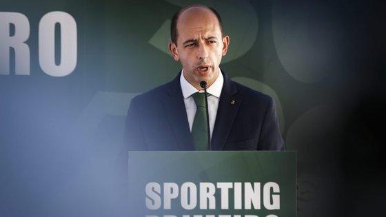 Carlos Vieira apresentou candidatura na rua do Passadiço, onde o Sporting teve a sua sede ao longo de mais de 20 anos