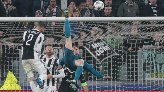 Os milhares de adeptos da Juventus que receberam Ronaldo em Turim podiam ser o primeiro recorde para o português