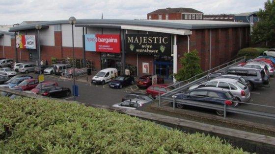 O ataque com ácido aconteceu num supermercado em Worcester, no Reino Unido.