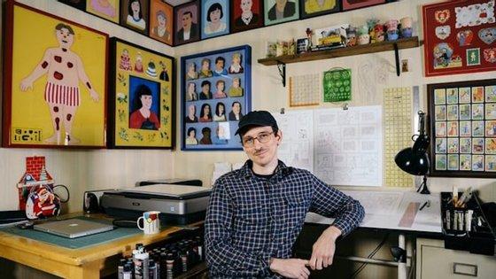 """Nick Drnaso é o autor de """"Sabrina"""", o primeiro romance gráfico a ser nomeado para o Man Booker Prize"""