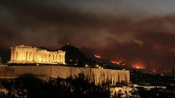 A região grega de Ática, perto de Atenas, está a ser afetada por incêndios desde segunda-feira