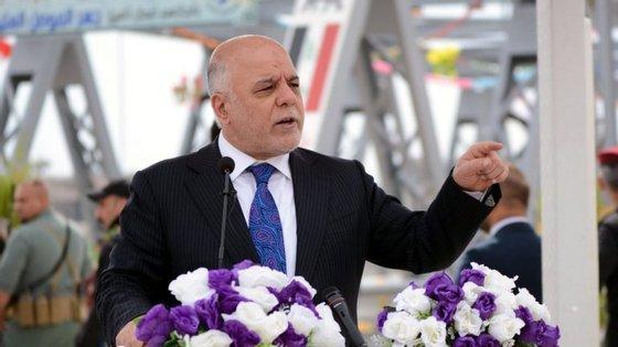 Segundo o comunicado, Haider al-Abadi apenas suspendeu Qassem al-Fahdaoui (na foto), porque só o Parlamento está autorizado a demitir definitivamente um ministro do cargo.