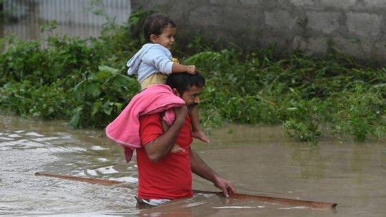 Durante as cheias de julho no Nepal
