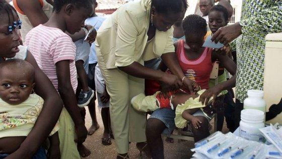 A cobertura do plano completo de vacinas é maior em Luanda, com 50%, e menor no Cuando Cubango, com apenas 8%
