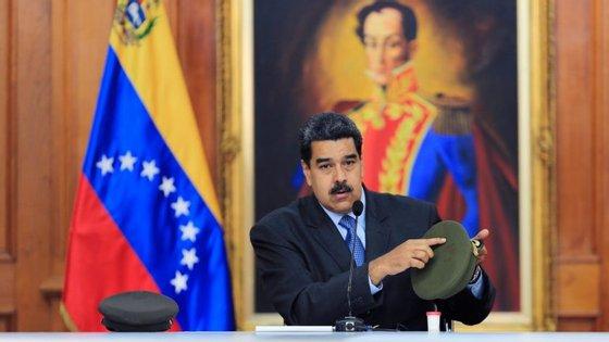 Dois drones explodiram no sábado passado enquanto Nicólas Maduro discursava