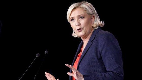 Marine Le Pen, líder do partido francês Frente Nacional, é uma das 1200 oradoras daquela que é a maior conferência de empreendedorismo e tecnologia da Europa