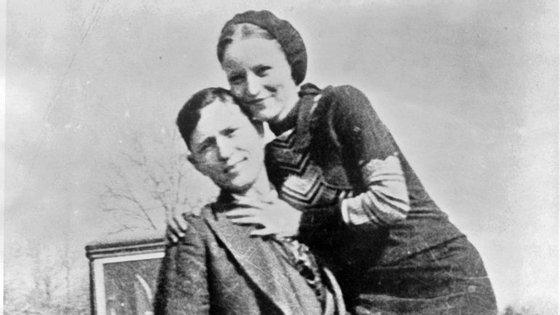 Bonnie e Clyde conheceram-se em 1929, quando ela tinha 29 anos e ele 30