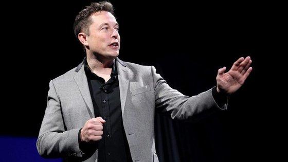 Elon Musk pode ser acusado de má conduta por ter anunciado a privatização no Twitter