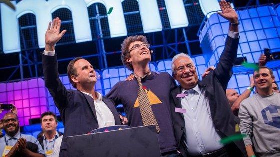 Paddy Cosgrave com Fernando Medina e António Costa na abertura da Web Summit 2017