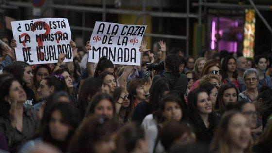 """Milhares de pessoas saíram à rua em Espanha desde abril a pedir justiça no caso """"La Manada"""""""