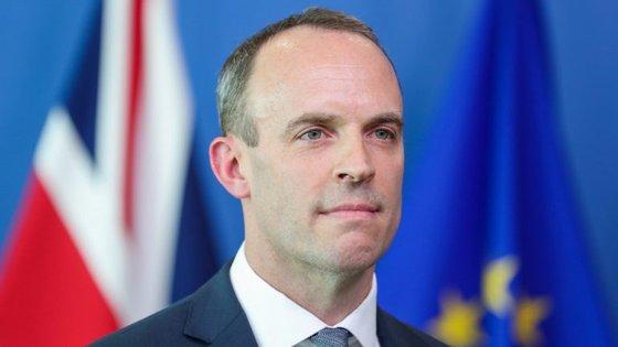"""O """"pragmático""""Dominic Raabapostou numa mensagem em tom pedagógico e tranquilizador para os britânicos e para a União Europeia"""
