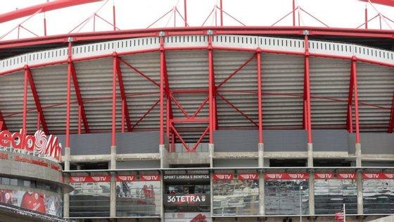 As portas do Estádio da Luz abrem às 17h00 e o jogo tem início às 19h00.