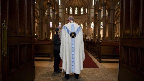 A procuradoria-geral da Pensilvânia divulgou relatório onde acusa 300 padres de abusos sexuais