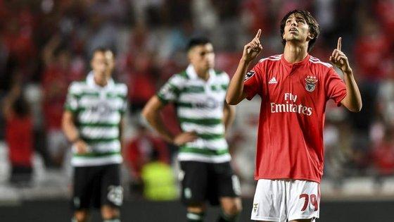 João Félix entrou aos 71' para a estreia num dérbi e marcou o golo do empate apenas 15 minutos depois