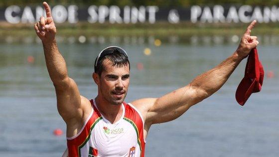 Fernando Pimenta tornou-se o primeiro português a sagrar-se campeão mundial numa distância olímpica
