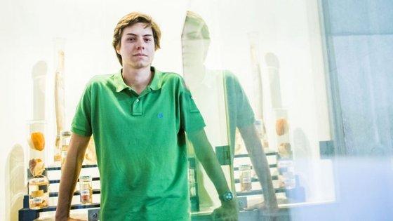 Afonso Reis Cabral tinha 24 anos quando ganhou o Prémio Leya em 2014