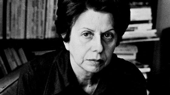 Maria Judite de Carvalho nasceu a 18 de setembro de 1921 e morreu a 18 de janeiro de 1998