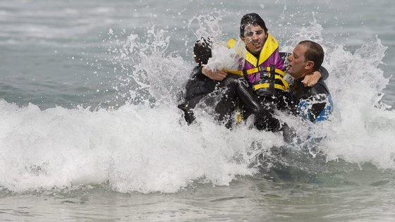 A Associação Portuguesa de Surf Adaptado, criada em 2012, já levou 1800 pessoas com algum tipo de deficiência a surfar