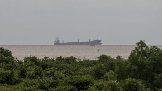O cargueirocom 177 metros de comprimento que apareceu na costa deMyanmar, na passada terça-feira
