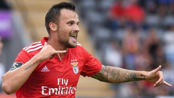 Seferovic foi decisivo na goleada do Benfica com um golo e uma assistência conseguidos no primeiro tempo
