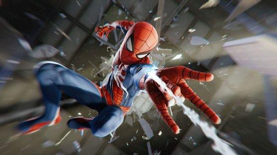 Marvel's Spider-Man foi desenvolvido pelo estúdio Insomniac Games, conhecidos por terem criado as séries de Spyro, the Dragon e Ratchet and Clank.