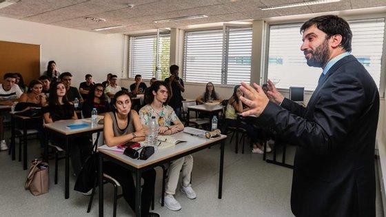 O descongelamento das carreiras tem sido o principal impasse nas negociações entre ministro da Educação (na foto) e sindicatos de professores