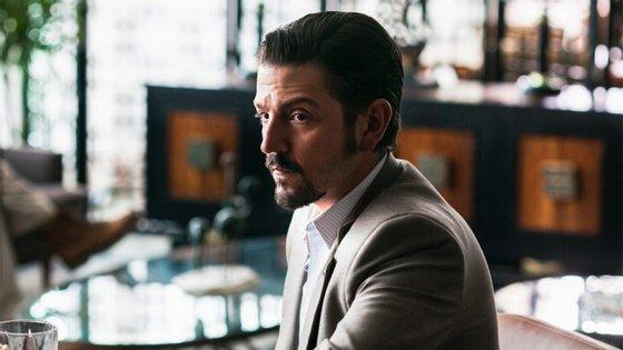 """O ator Diego Luna interpretará o papel de Félix Gallardo, o Pablo Escobar mexicano, nesta nova série da Netflix, concebida por dois criadores de """"Narcos"""""""