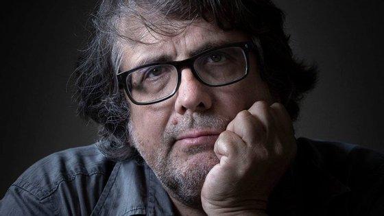 Luís Miguel Rainha tem 56 anos e vive entre Lisboa e a aldeia de Freches na Beira Baixa