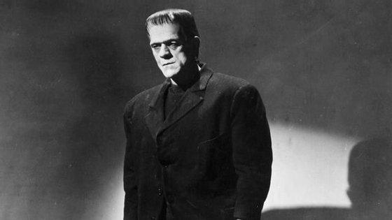 """Boris Karloff deu vida ao monstro na adaptação de 1931 de """"Frankenstein"""""""