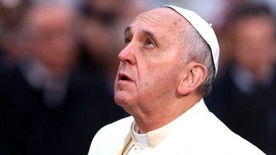 Acusado por um membro da Cúria Romana de encobrir um caso de abusos sexuais, o Papa Francisco enfrenta um dos períodos mais difíceis do pontificado