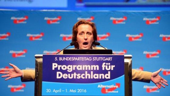 O AfD é o maior partido da oposição no parlamento alemão. Na foto, uma das líderes, Beatrix von Storch.