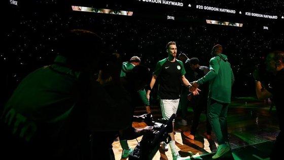 Gordon Hayward na apresentação oficial do jogo de regresso: fez dez pontos em 24 minutos e ajudou Celtics no triunfo com os 76ers