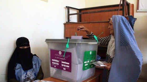 No primeiro dia das eleições houve quase 200 atentados, que provocaram 38 mortos e mais de 100 feridos