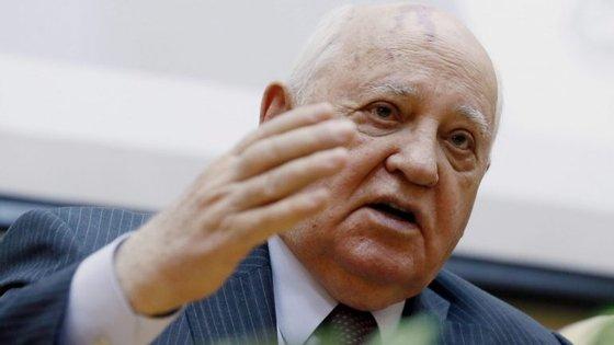"""""""Em caso algum se devem quebrar os antigos acordos de desarmamento"""", considerou o último dirigente soviético, Mikhail Gorbachev"""