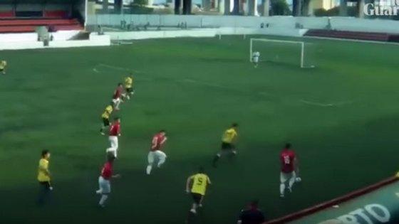A jogada originou o quarto golo da vitória por 5-2 do Sacavenense frente ao Loures