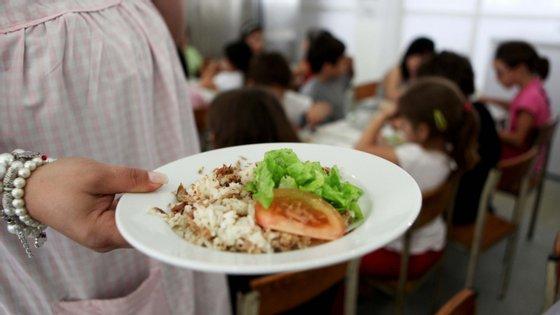 A cantina da escola sede do agrupamento serve diariamente 550 refeições, maioritariamente a alunos