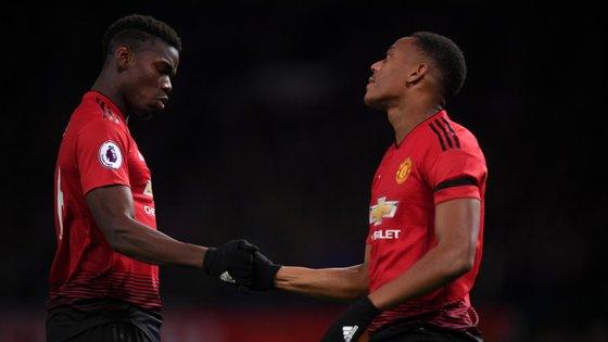Pogba e Martial marcaram os golos da vitória do Manchester United com o Everton mas avançado esteve melhor do que o médio