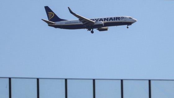 Tripulantes de cabine, incluindo de bases portuguesas, e pilotos têm exigido em vários países europeus que seja aplicada a lei local e não a irlandesa