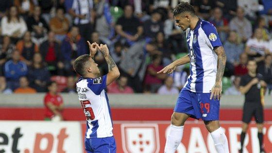 Otávio concluiu da melhor forma uma grande jogada coletiva do FC Porto com dois toques de calcanhar pelo meio