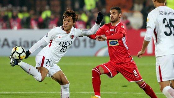 Na primeira mão, os golos de Leo Silva e Jorginho deram a vitória aos Kashima Antlers, que este sábado empataram a 0-0 em Teerão e conquistaram o título